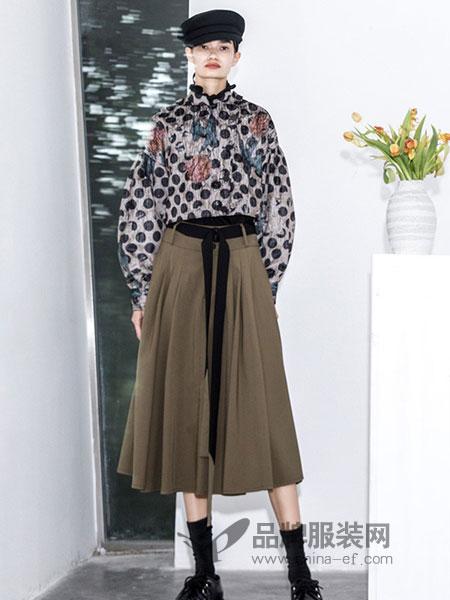 BAN XIAOXUE班晓雪女装品牌2018秋冬修身A字印花连衣裙