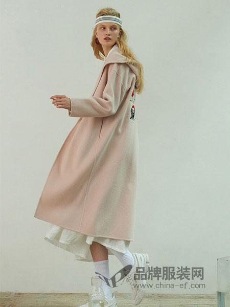 BAN XIAOXUE班晓雪女装品牌2018秋冬修身刺绣中长款外套