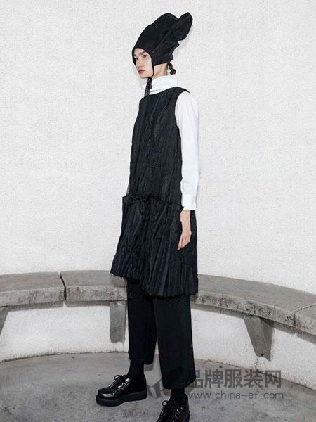 BAN XIAOXUE班晓雪女装品牌2018秋冬修身直筒连衣裙