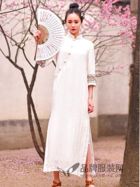 汉舞女装品牌2019春夏纯色淑女针织旗袍
