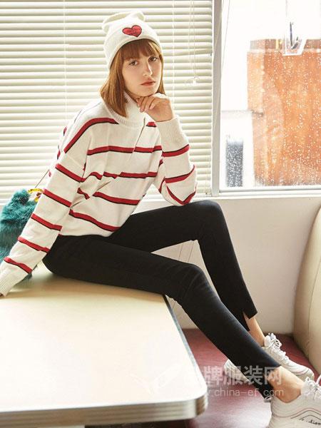 德・玛纳女装品牌2018秋冬圆领荷叶袖套头针织衫条纹弹力打底衫