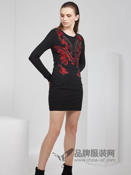 KODICE女装品牌2018秋冬新品时尚撞色钉珠绣花中长修身连衣裙