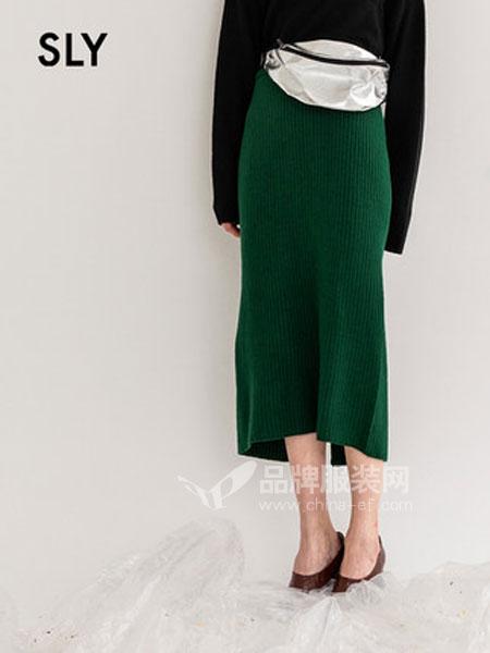 SLY女装品牌2019春季直筒后摆开叉针织半身裙