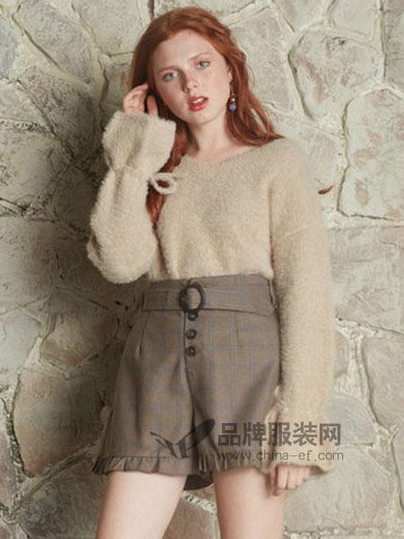 NICE CLAUP(奈思河)女装品牌2018冬季绑带袖口仿貂毛套头衫