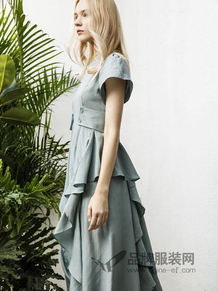 例格女装品牌2019春季荷叶边纽扣装饰显白显腿长鱼尾半裙