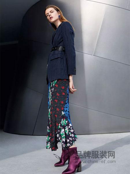曼娅奴女装品牌2019春季剪裁竖条纹腰带收腰显瘦西装外套