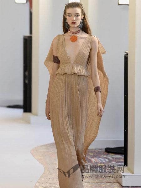 Chloe蔻依威廉希尔中文网品牌2019春季新款韩范长款无袖百褶连衣裙潮