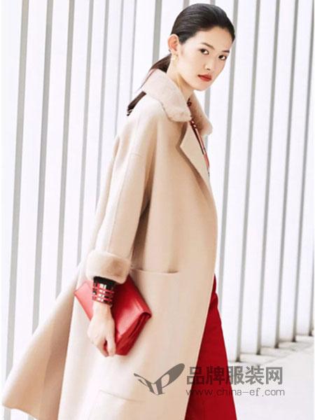 夺宝奇兵女装品牌2019春季新款羊羔领外套短款大衣