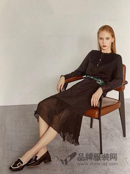 点占女装品牌2019春季蕾丝衫长袖保暖打底衫上衣