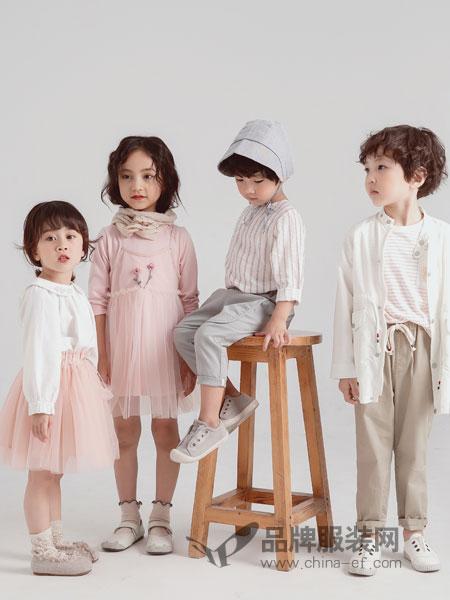 林芊美眉童装品牌2019春季新款束脚百搭侧条纹休闲运动裤