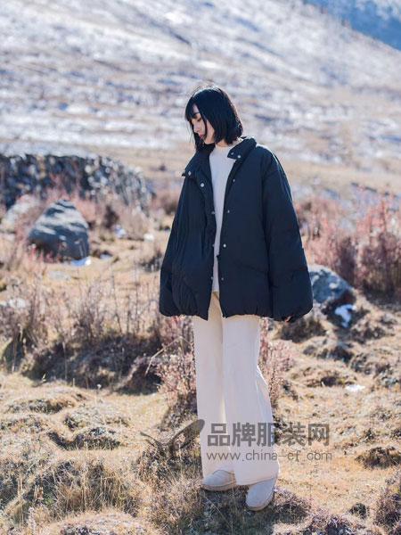 DZEC女装品牌2018秋冬羽绒服 面包短款 80白鸭绒