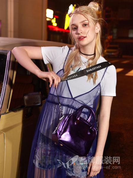 艾卓拉EIZSA女装品牌2019春夏甜美淑女两件套网纱吊带+纯棉T恤
