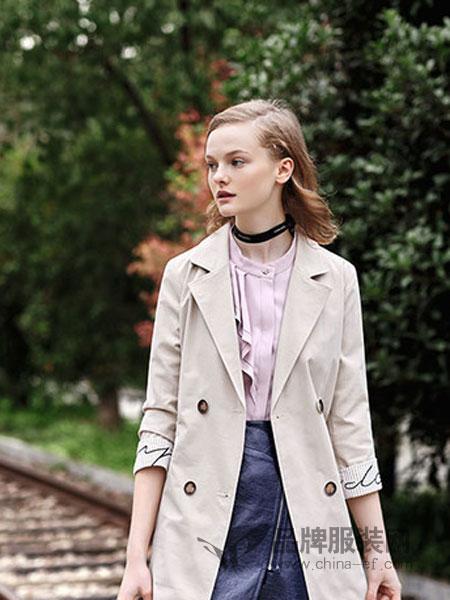 知彩女装品牌2019春季新款腰带两粒扣拼接气质风衣外套