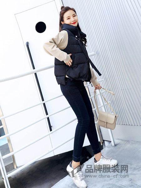 色彩一秀女装品牌2018秋冬新款韩版休闲无袖坎肩棉衣连帽背心