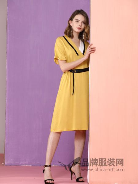 真斯贝尔女装品牌2019春季撞色V领蝙蝠袖收腰剪裁A摆连衣裙