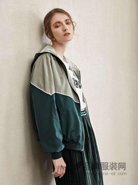 LEISURE女装品牌2019春季时尚印花宽松显瘦外套