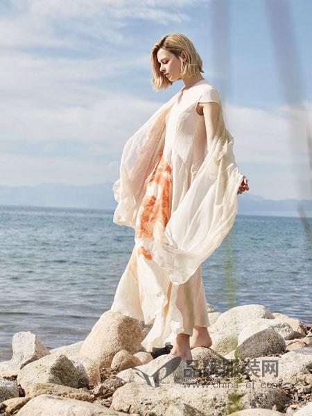 主提女装品牌2019春季新款百搭长款披肩