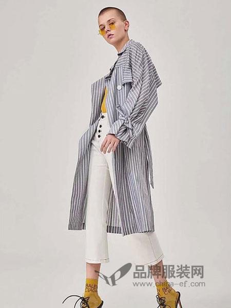粤韵女装品牌2019春季新款复古细格纹双排扣中长款风衣外套
