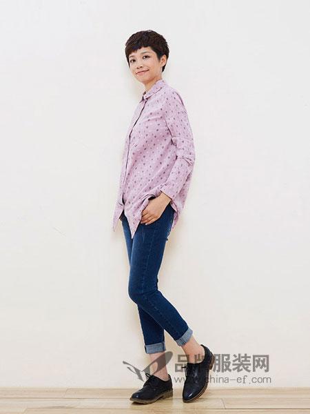 布景女装品牌2018秋冬新款方领印花长袖灯芯绒宽松衬衫
