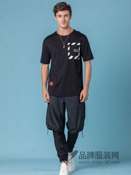 它钴TARGUO男装品牌2019春季个性字母条纹印花单口袋圆领短袖T恤
