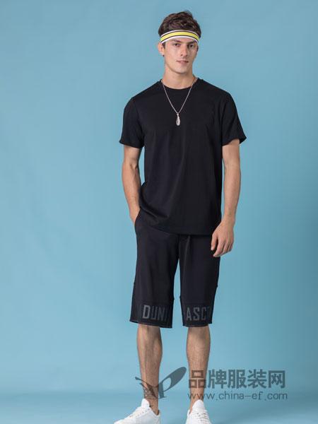 它钴TARGUO男装品牌2019春季时尚T恤衫潮男休闲短袖