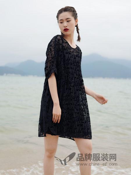 底色女装品牌2019春夏宽松连衣裙V领中袖