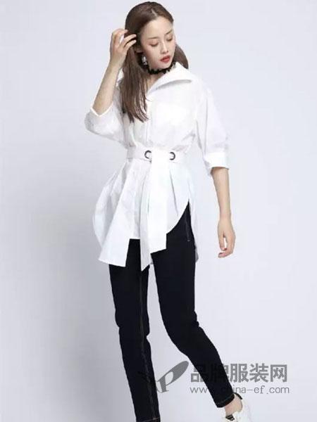 浩洋国际女装品牌2019春季翻领纯色单排扣圆环腰带收腰衬衫短款