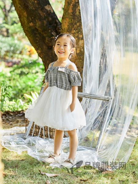 小猪宾果童装品牌2019春季吊带露肩上衣拼接网纱连衣裙显瘦假两件套