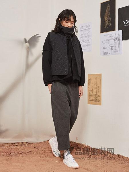 源本女装品牌2018秋冬刺绣棒球服金丝绒短棉袄外套