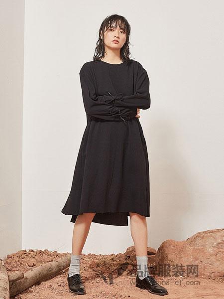 源本女装品牌2018秋冬精纺纯羊毛H型宽松连衣裙