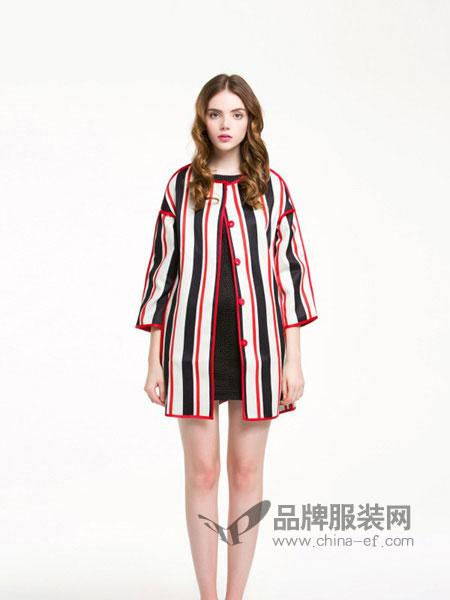麦夕女装品牌2019春夏新款九分袖暗扣宽松大码竖条纹中长款外套女
