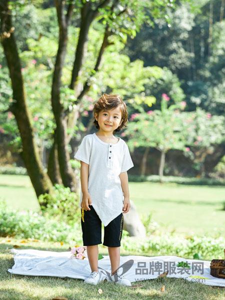 小猪宾果童装品牌2019春季短袖T恤纯棉白色