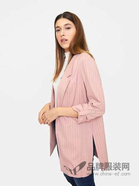 斯特拉迪瓦里斯女装品牌2019春夏新款 中长款七分袖西装条纹外套女