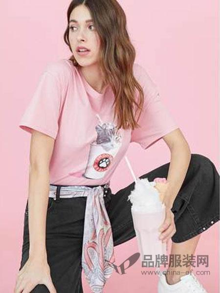 斯特拉迪瓦里斯女装品牌2019春夏 猫咪印花粉色短袖T恤女宽松打底衫