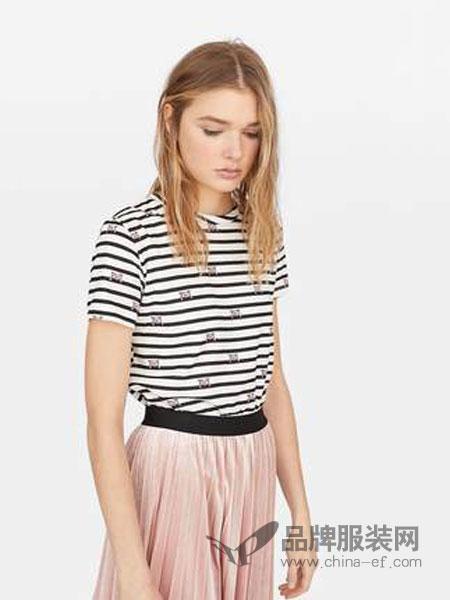 斯特拉迪瓦里斯女装品牌2019春夏 印花短袖T恤女条纹修身打底衫圆领