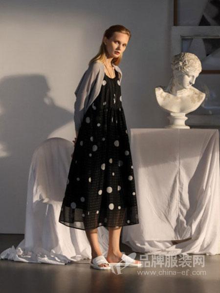 ZAIN形上女装品牌2019春夏新款黑白格子波点吊带宽松中长款连衣裙女
