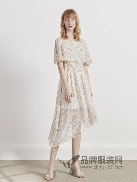 英吉兰依女装品牌2019春夏短袖松紧腰气质修身印花雪纺连衣裙