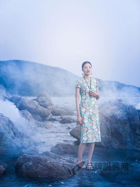 曼茜纱女装品牌2019春夏印花修身显瘦复古改良版旗袍裙