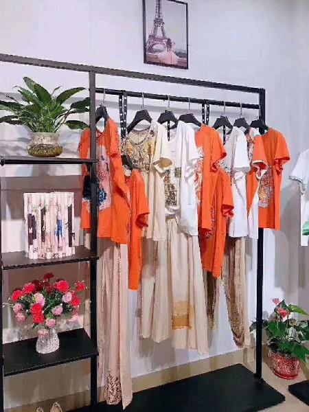 芝麻e柜高端棉麻系列品牌店铺展示
