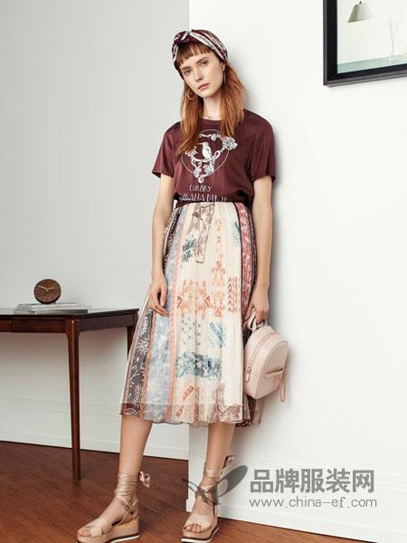 UMISKY优美世界女装品牌2019春夏新款圆领休闲短袖T恤+印花休闲半身裙