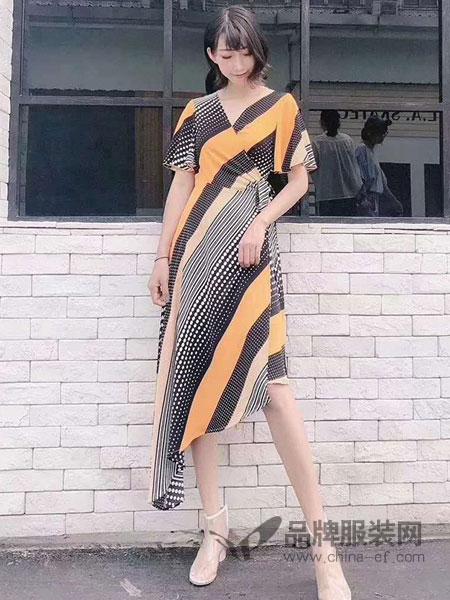 东哲女装品牌2019春季新款V领不规则波点条纹绑带连衣裙