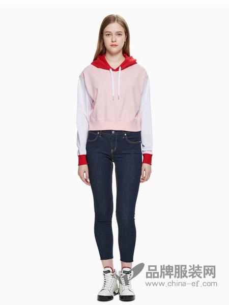 Calvin Klein休闲品牌2019春夏新款连帽套头撞色短款纯棉卫衣