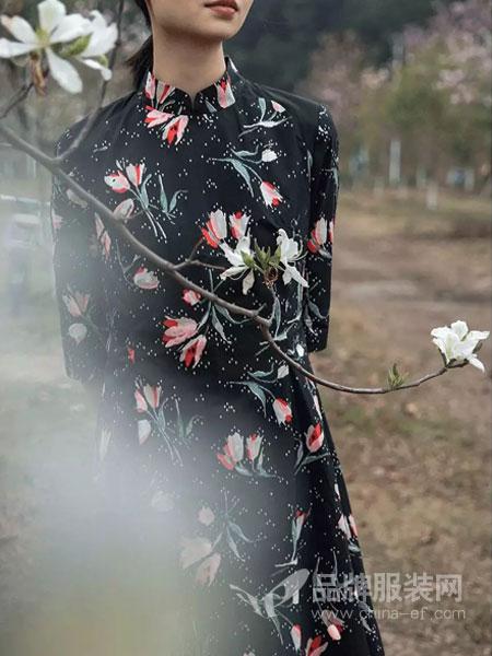 皑如女装品牌2019春夏新款复古时尚宽松印花长袖连衣裙