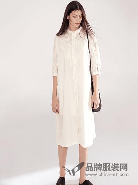 意澳女装品牌2019春夏新品白色中袖长款衬衫绣花连衣裙