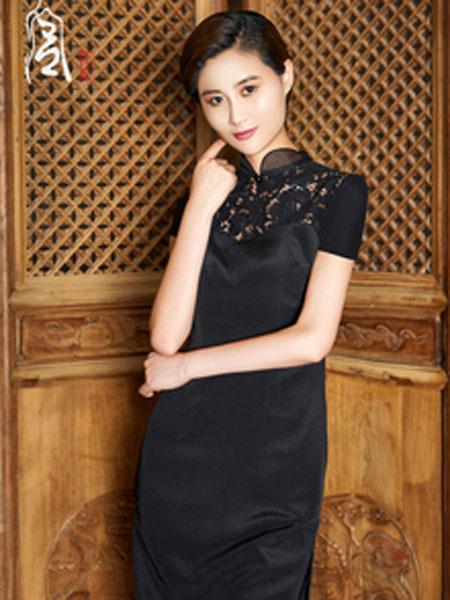 香黛宫女装品牌2019春夏新款蕾丝修身走秀旗袍长款