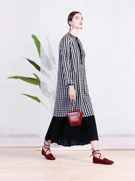 三淼女装品牌2019春季新款大码宽松连衣裙