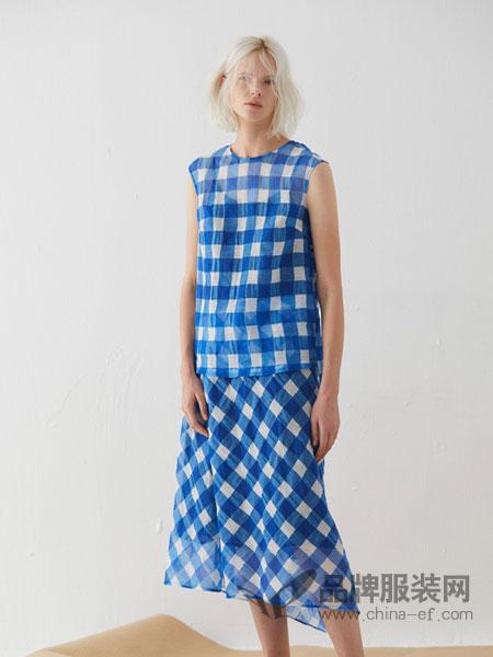 必然女装品牌2019春夏新款韩版百搭时尚格子弹力中长款连衣裙