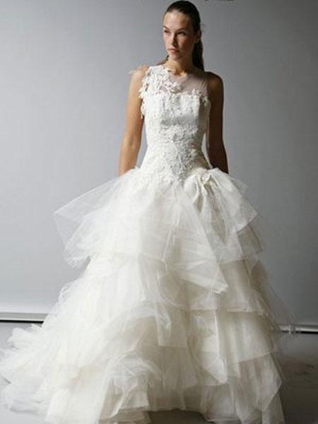 St.Pucchi婚纱/礼服品牌2019春夏新款加大码双肩齐地显瘦高档新娘婚纱