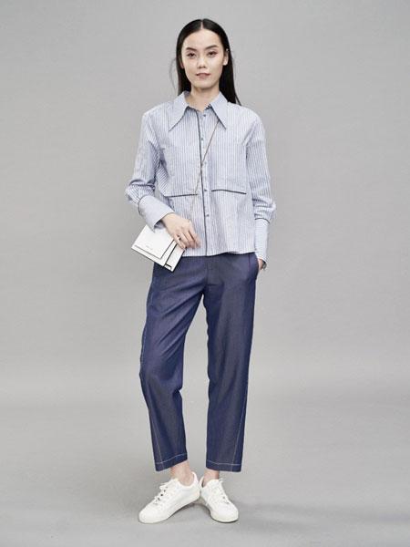 YARVE女装品牌2019春季新款长袖纯棉尖领蓝白竖条纹宽松百搭衬衫