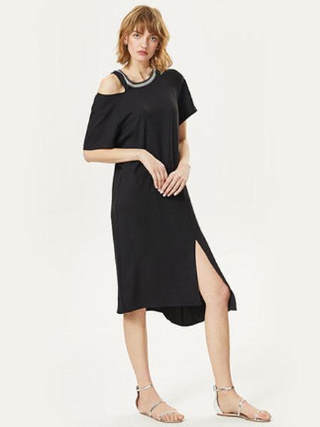 谷邦GOOBGS女装品牌2019春夏新款黑色露肩短袖裙子中长款雪纺裙开叉下摆连衣裙